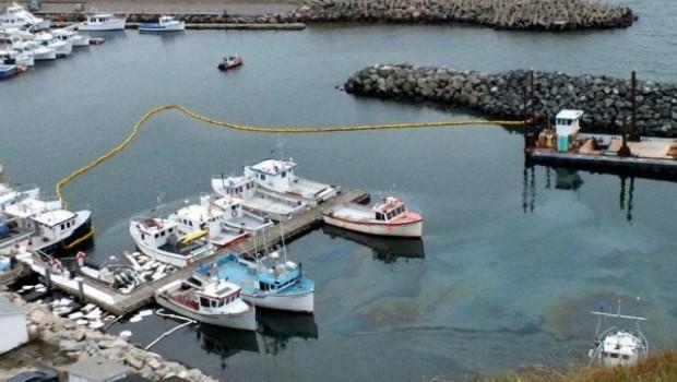 904525-origine-fuite-hydrocarbures-port-mer