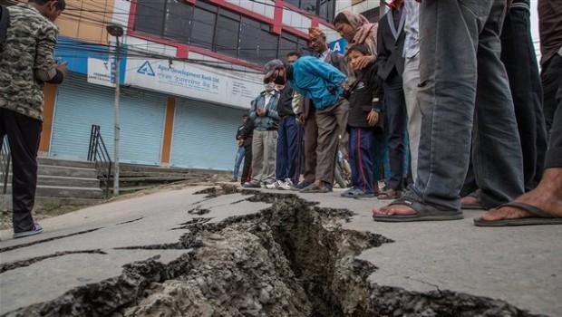 150426_1u7rb_uneprem-seisme-nepal_sn635