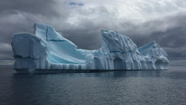 150720_nx46b_rci-iceberg_sn635