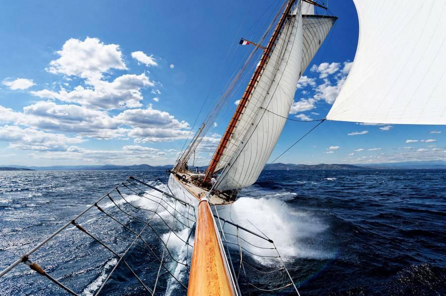 sailingphoto1-900x597