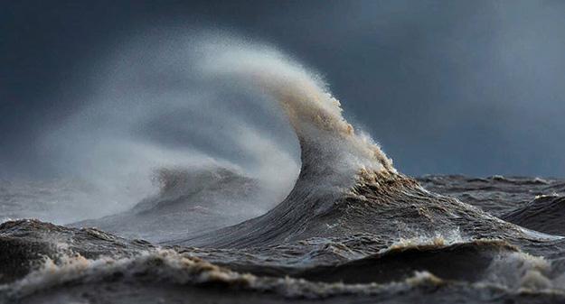 waves-10-900x485