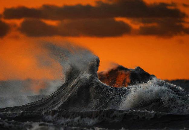 waves-11-900x620