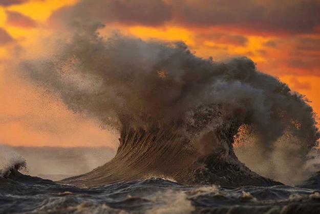 waves-2-900x603