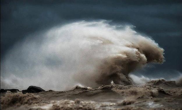 waves-7-900x546