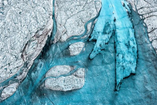 Breathtaking-Aerial-Views-of-Greenland-by-Daniel-Beltra-1-900x601