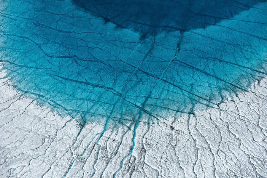 Breathtaking-Aerial-Views-of-Greenland-by-Daniel-Beltra-10-900x601