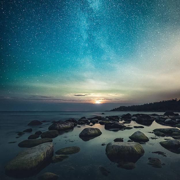 Sensational-Night-Shots-by-Mikko-Lagerstedt6-900x900