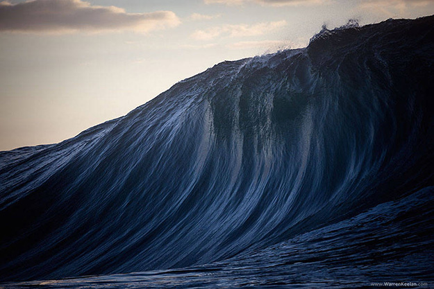 Superb-Photographs-of-Waves-About-to-Break3-900x600