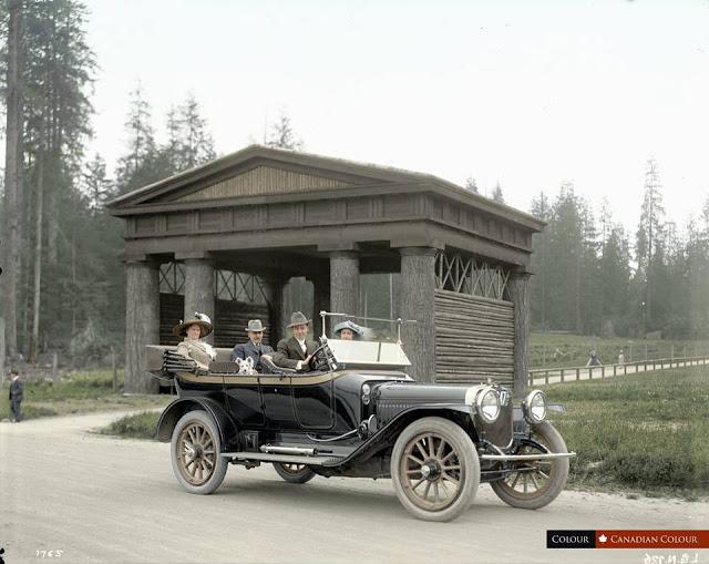 27-photos-colorisees-des-automobiles-americaines-des-annees-1910-1920-16