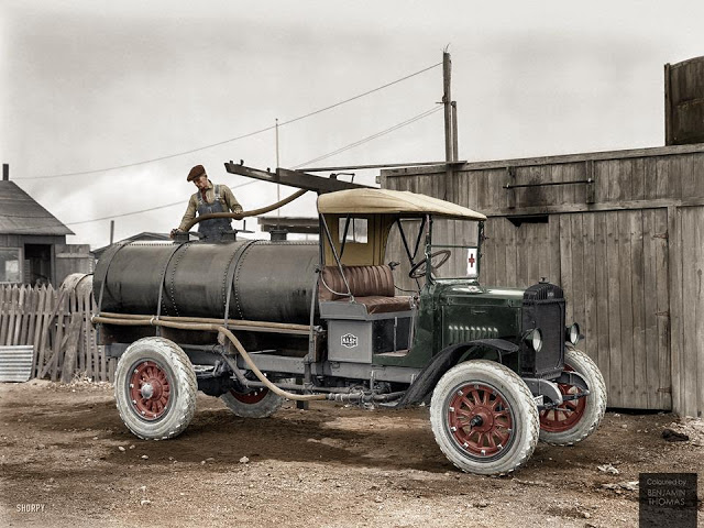 27-photos-colorisees-des-automobiles-americaines-des-annees-1910-1920-17