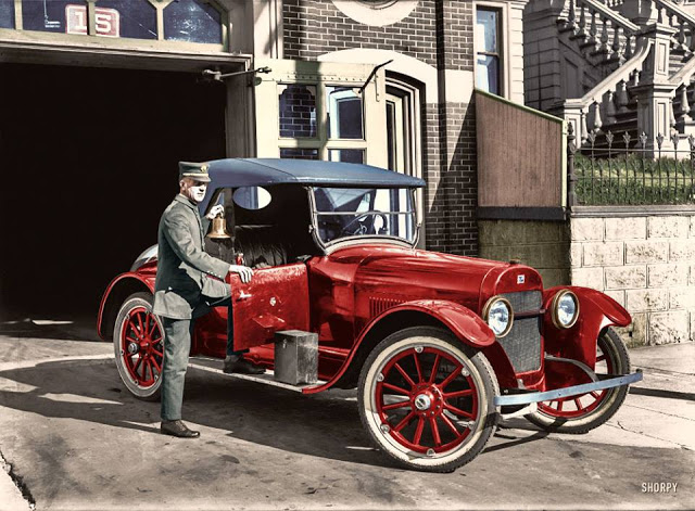 27-photos-colorisees-des-automobiles-americaines-des-annees-1910-1920-21