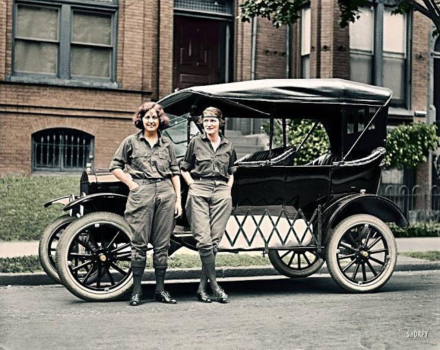 27-photos-colorisees-des-automobiles-americaines-des-annees-1910-1920-9