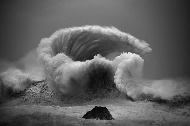 Les-photos-de-vagues-gigantesques-de-Luke-Shadbolt-2
