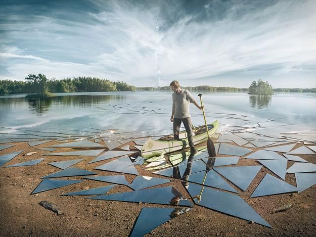 un-lac-en-miroirs-brises-par-erik-johansson-1