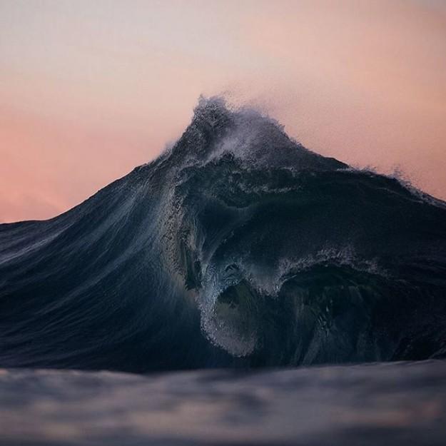 des-vagues-telles-des-montagnes-par-lloyd-meudell-16