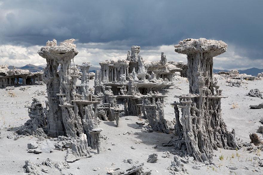 ces-etonnantes-formations-naturelles-les-tufs-de-sable-tufas-sand-1