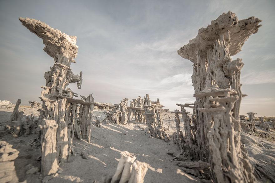 ces-etonnantes-formations-naturelles-les-tufs-de-sable-tufas-sand-11