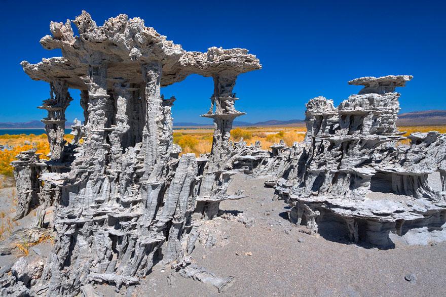 ces-etonnantes-formations-naturelles-les-tufs-de-sable-tufas-sand-8