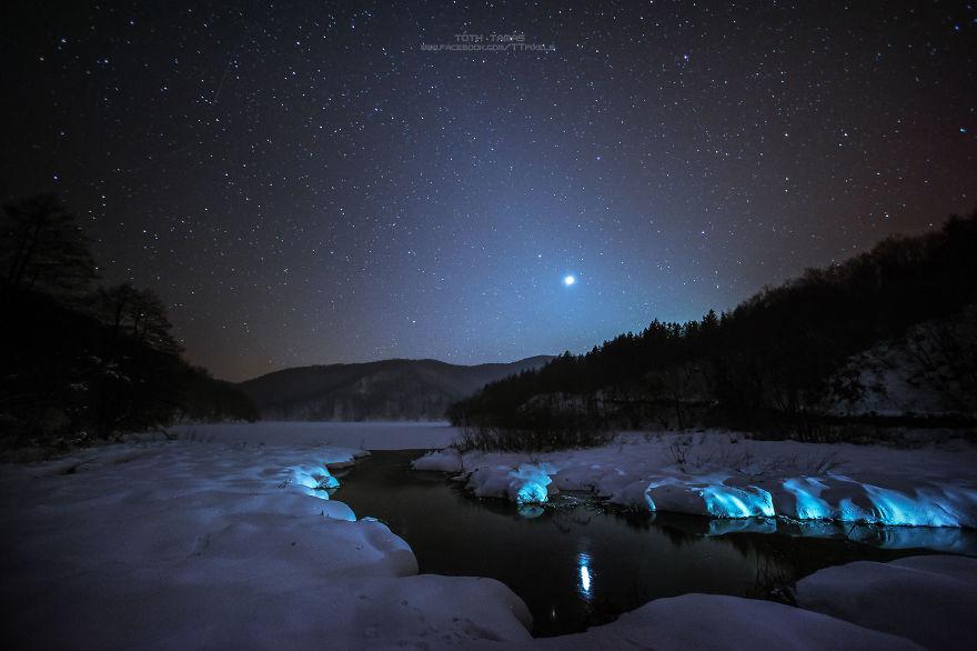Les-magnifiques-cascades-gelees-des-lacs-de-Plitvice-par-Tamas-Toth-2