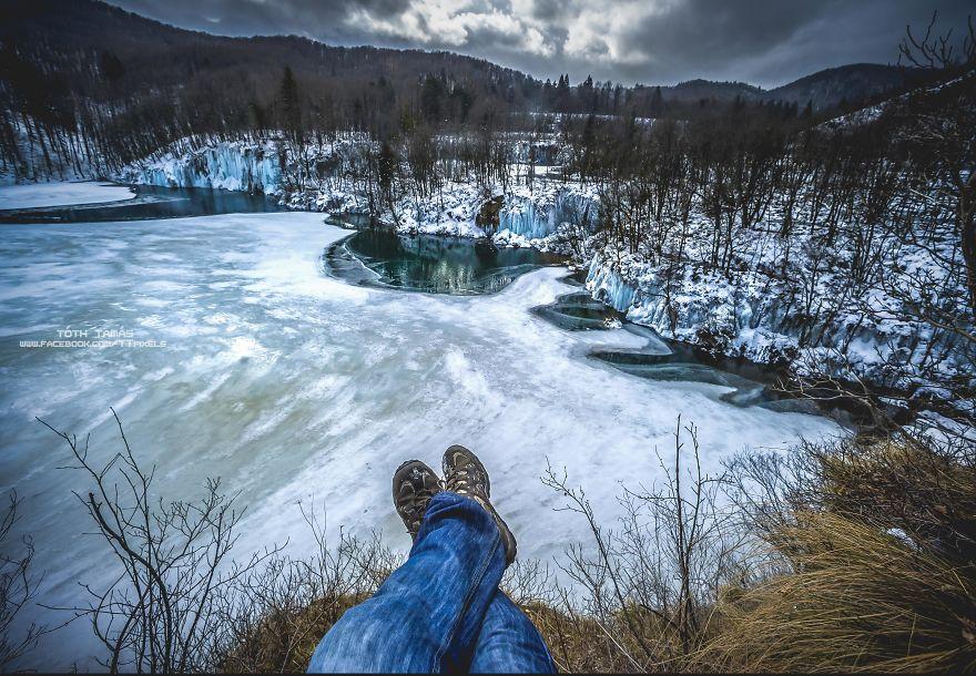 Les-magnifiques-cascades-gelees-des-lacs-de-Plitvice-par-Tamas-Toth-20