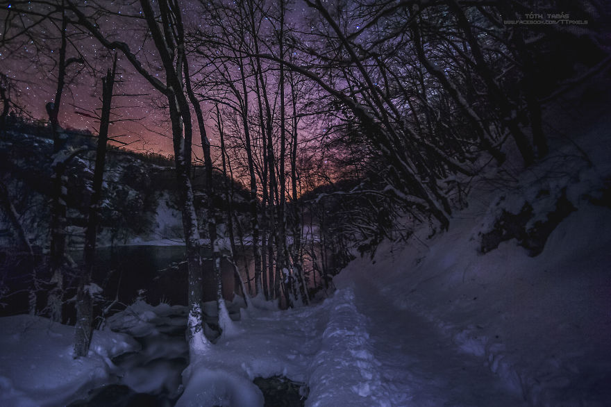 Les-magnifiques-cascades-gelees-des-lacs-de-Plitvice-par-Tamas-Toth-9