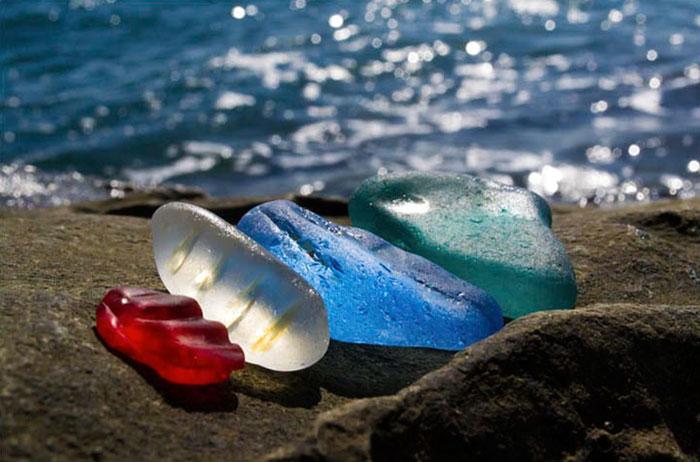 Oussouri-Bay-Glass-Beach-magnifique-plage-de-bouteilles-de-verre-2