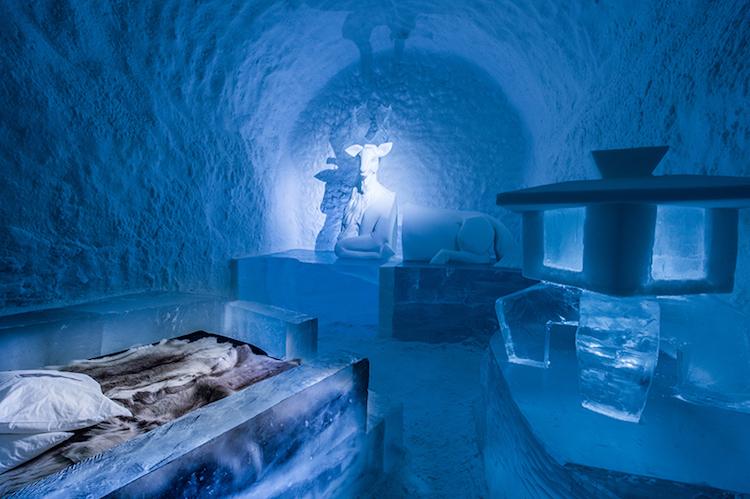 Le-celebre-hotel-de-glace-suedois-Icehotel-est-desormais-ouvert-365-jours-par-an-11