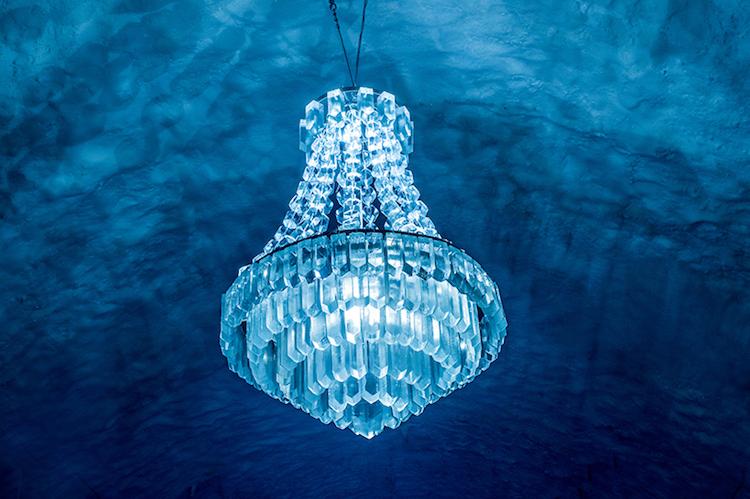 Le-celebre-hotel-de-glace-suedois-Icehotel-est-desormais-ouvert-365-jours-par-an-13