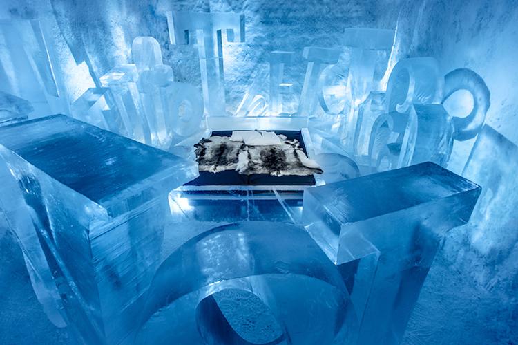 Le-celebre-hotel-de-glace-suedois-Icehotel-est-desormais-ouvert-365-jours-par-an-6