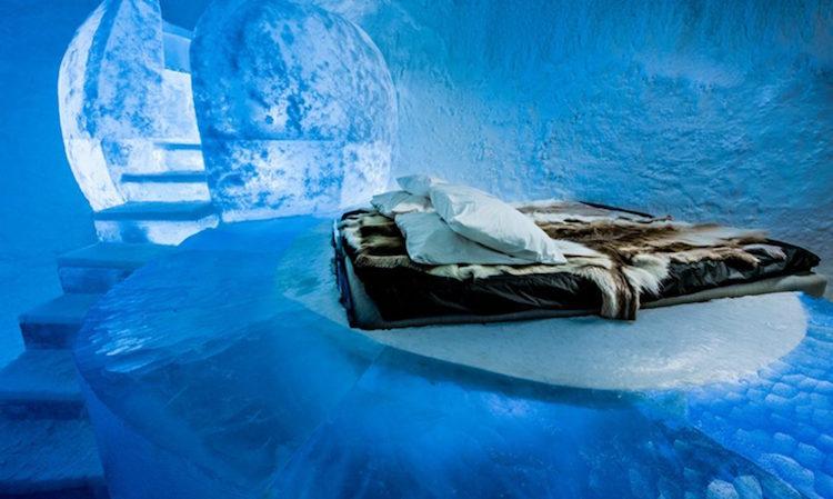 Le-celebre-hotel-de-glace-suedois-Icehotel-est-desormais-ouvert-365-jours-par-an-9