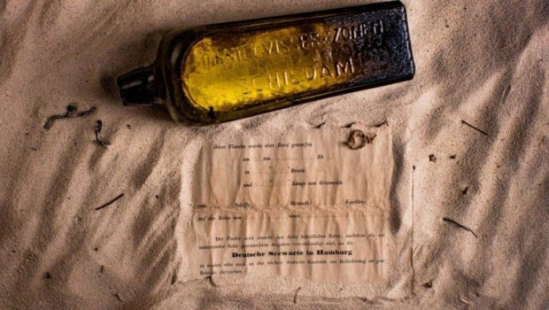 the-worlds-oldest-message-in-a-bottle-discovered-in-australia3-805x427