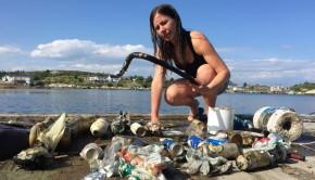 dechets-oceans-plastique-plongeuse