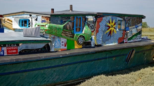 houseboat-10-624x416@2x