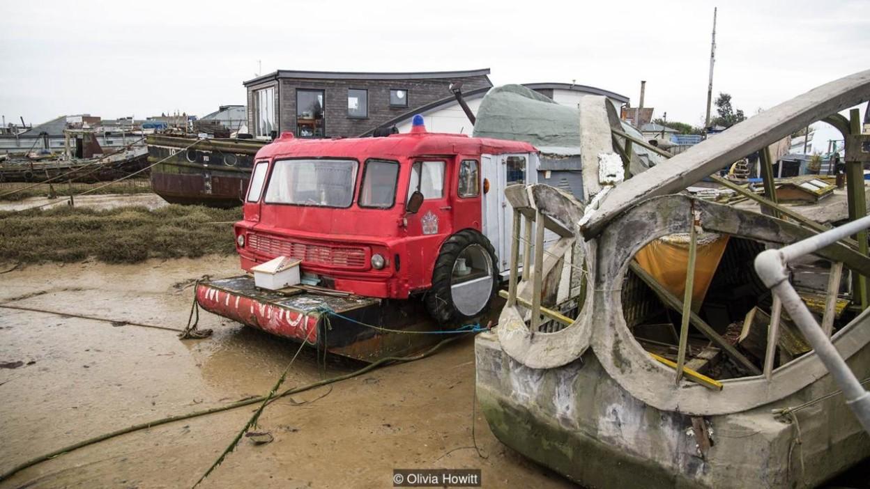 houseboat-8-624x351@2x
